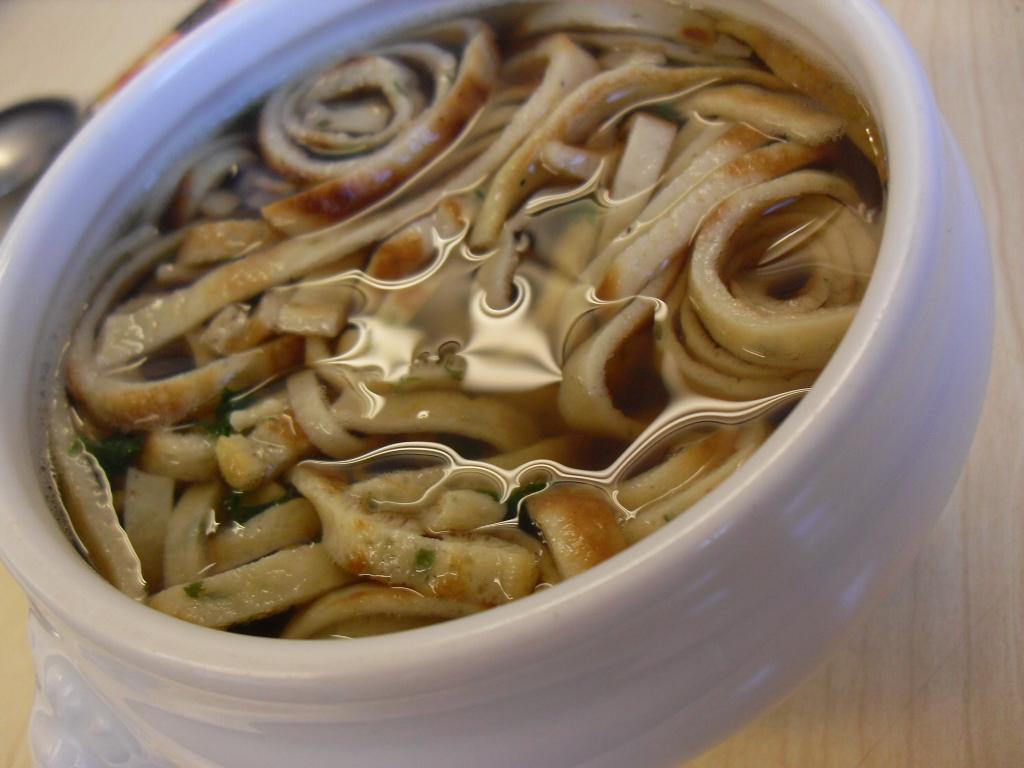 tafelspitzboullion mit fritatten klare suppe