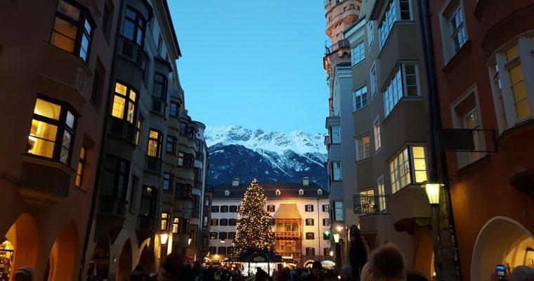 Tradycyjne jarmarki bożonarodzeniowe w Tyrolu –  jak z baśni braci Grimm  [+miejsca, terminy]