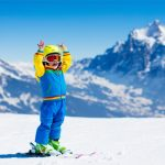 Czy warto zapisać dziecko do szkółki narciarskiej lub snowboardowej w Austrii