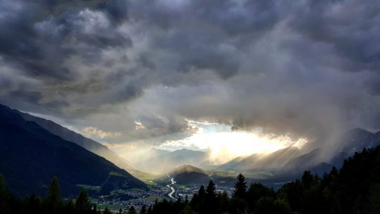 clouds Telfs Inntal